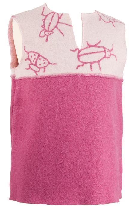 Barnväst stl. 110/116 Baggar rosa